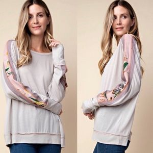 NEW! FLORAL PATTERN SLEEVE TOP